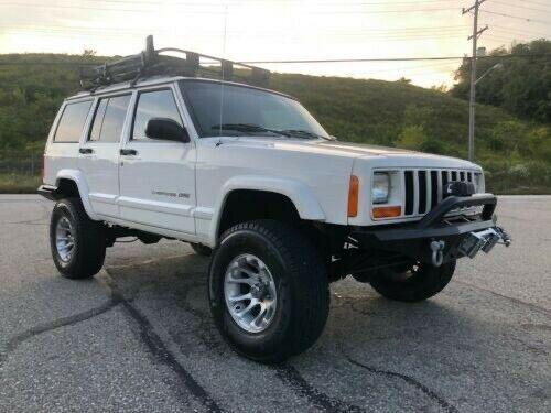 1J4FJ68S8WL107444-1998-jeep-cherokee