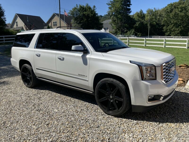 1GKS2HKJ3JR308806-2018-gmc-yukon-xl