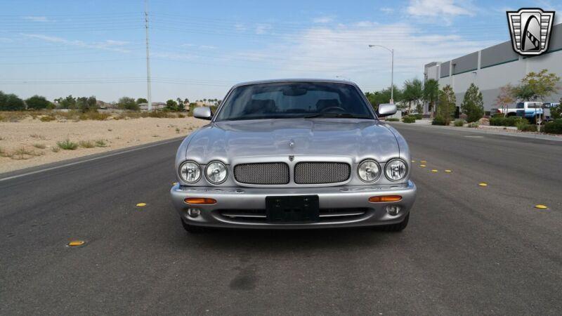 SAJDA15B83MF50501-2003-jaguar-xjr