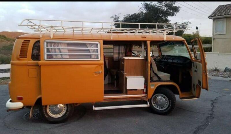 2322113929-1972-volkswagen-camper