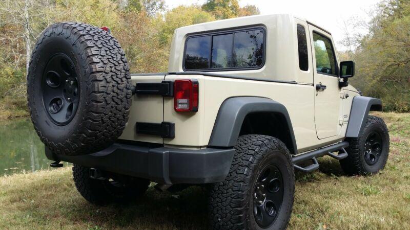 1C4BJWDG7HL748562-2017-jeep-wrangler