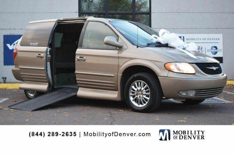2C8GP64L02R632215-2002-chrysler-town-and-country