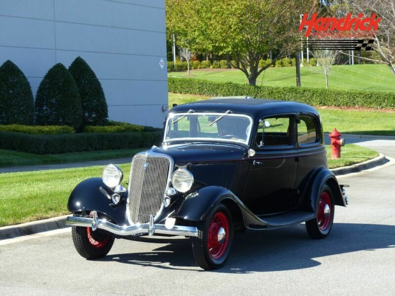 18789973-1934-ford-terrific-pre-war-ford-victoria-coupe-with-v8-p