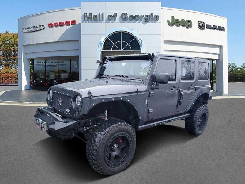 1C4BJWDG0HL526381-2017-jeep-wrangler-unlimited