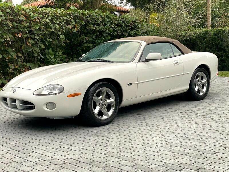 SAJDA42C61NA15074-2001-jaguar-xk8-convertible
