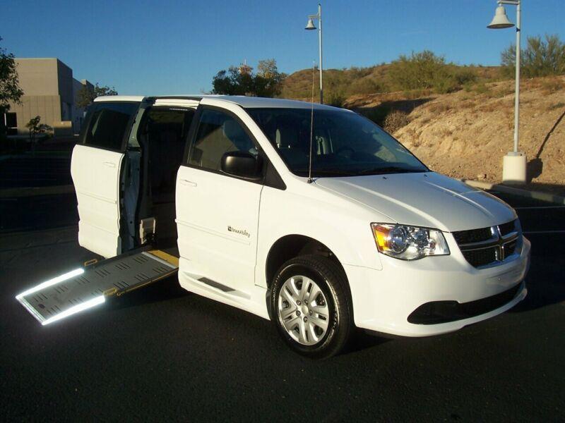 2C7WDGBG2GR371844-2016-dodge-grand-caravan